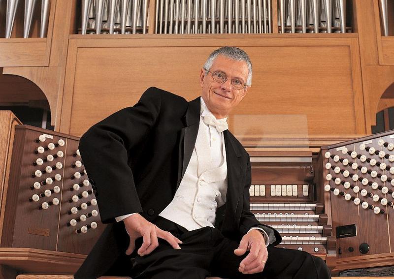 Hector Olivera organist