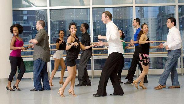 Salsa & Bachata Dance Lesson (includes entry to after party)