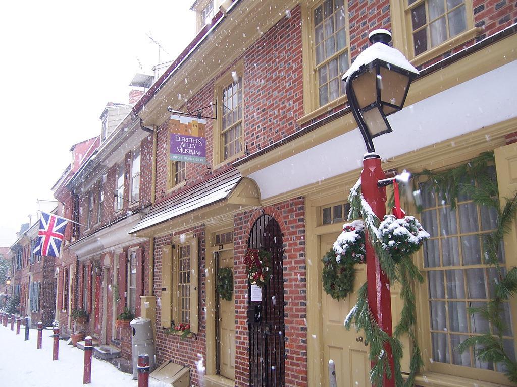 Elfreth S Alley Christmas Tour