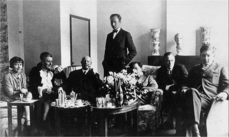Coffee with the Wittgensteins