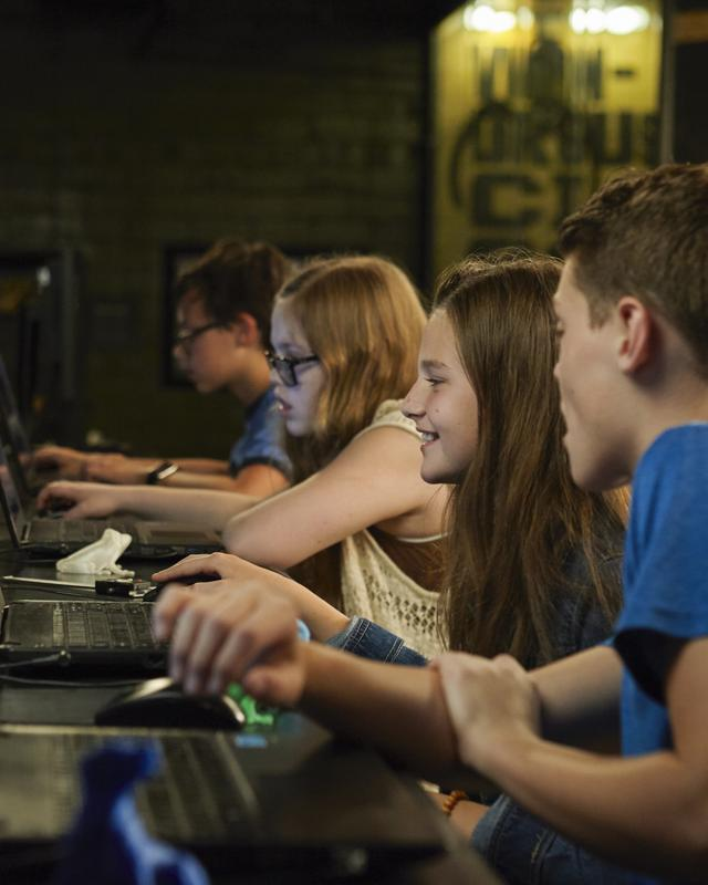 Proto Fall Maker Workshop: Hacking Minecraft