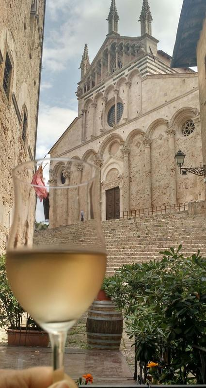 """Wine Tasting: the """"other"""" Tuscany"""