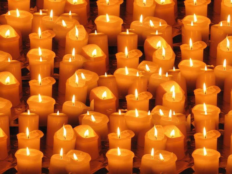 Class: Permanent Holiday Votive Candle Arrangement