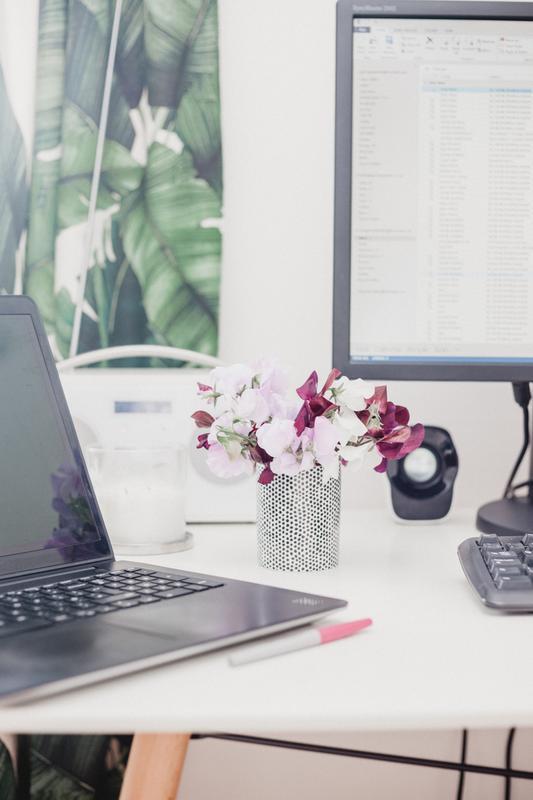GROW YOUR BIZ WITH WEBINARS