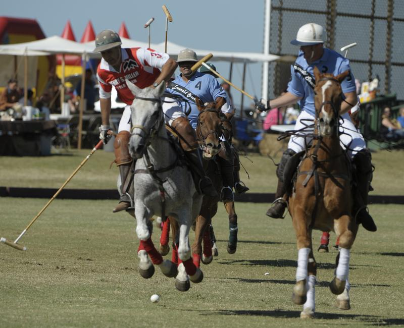 Polo on the Midway 380 Guide Cup