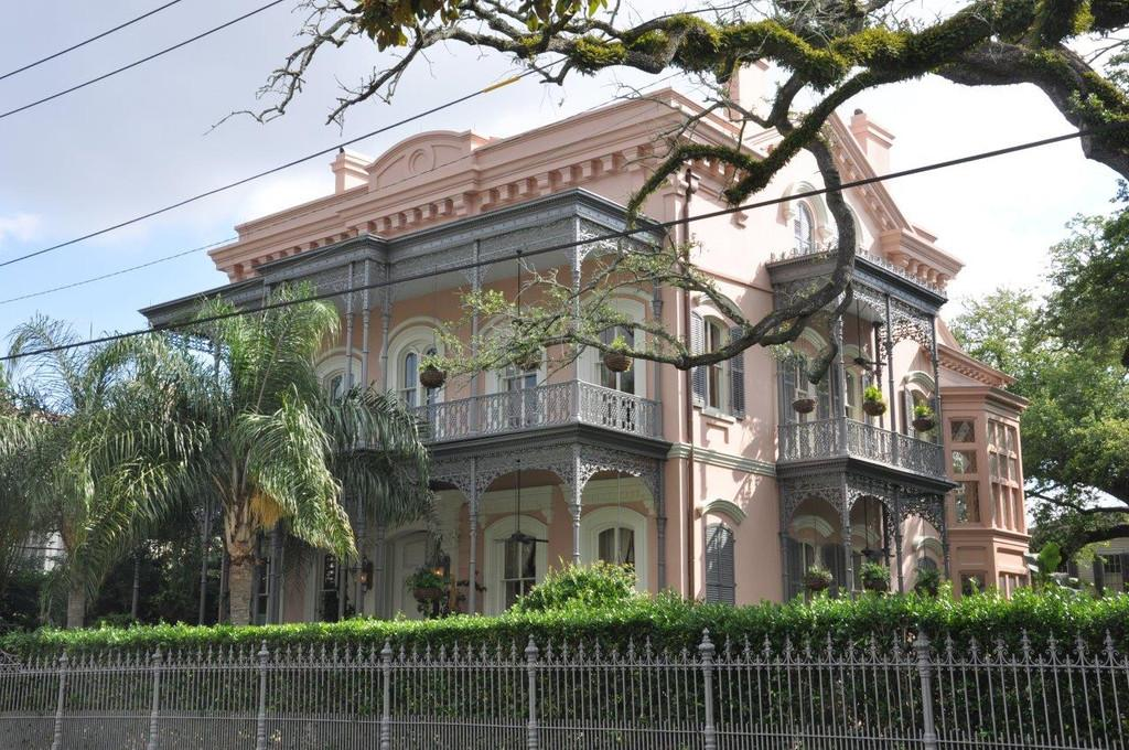 Garden District Walking Tour New Orleans Tickets in New Orleans
