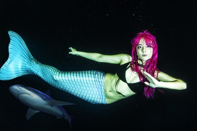 Underwater Mermaid and Cosplay Pool Shoot