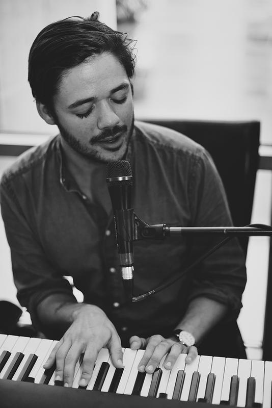 Philip Anderson (solo piano)